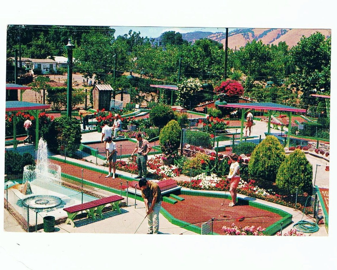 Jules mini golf in 1966 on postcard 001